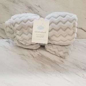 Cloud Island, Light Grey, Plush Blanket